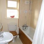 59 Moorhall Rise Bathroom